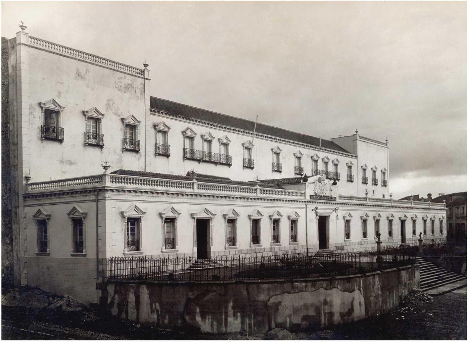 27.- Academia de Artilleria, Biblioteca. FOT. 39-14