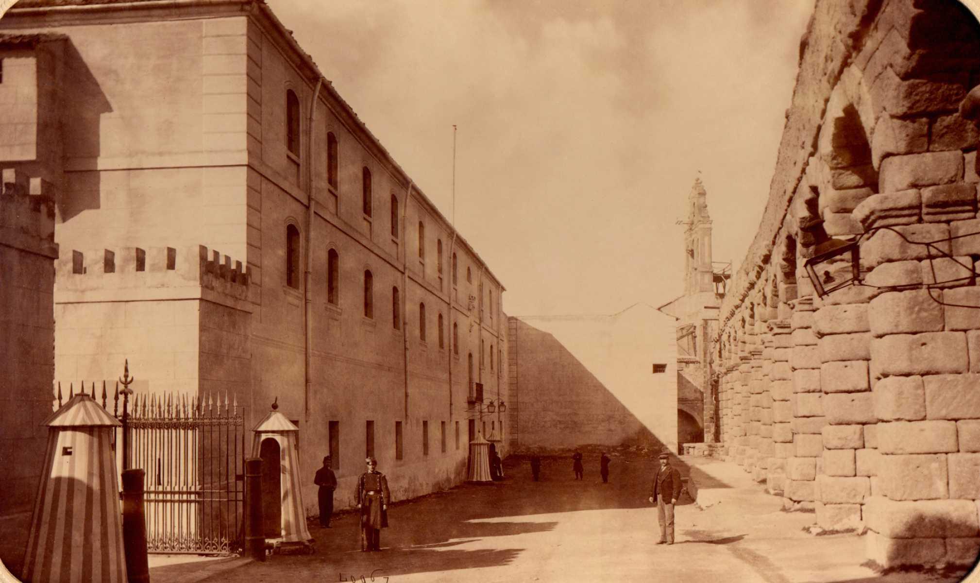 Fachada de Día Sanz, 1879-1880