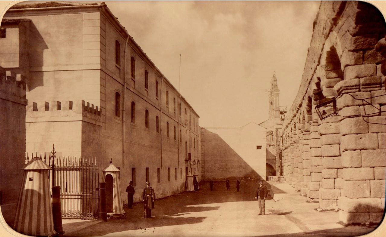 1 PORTADA-Puerta Diaz Sanz (1879-80)