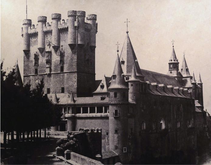 El Alcázar de Segovia, sede del Real Colegio de Artillería desde el 16 de mayo de 1764, hasta el incendio que lo destruyó el 6 de marzo de 1862. 10.- ARCHIVO GENERAL MILITAR DE MADRID. F - 07526.