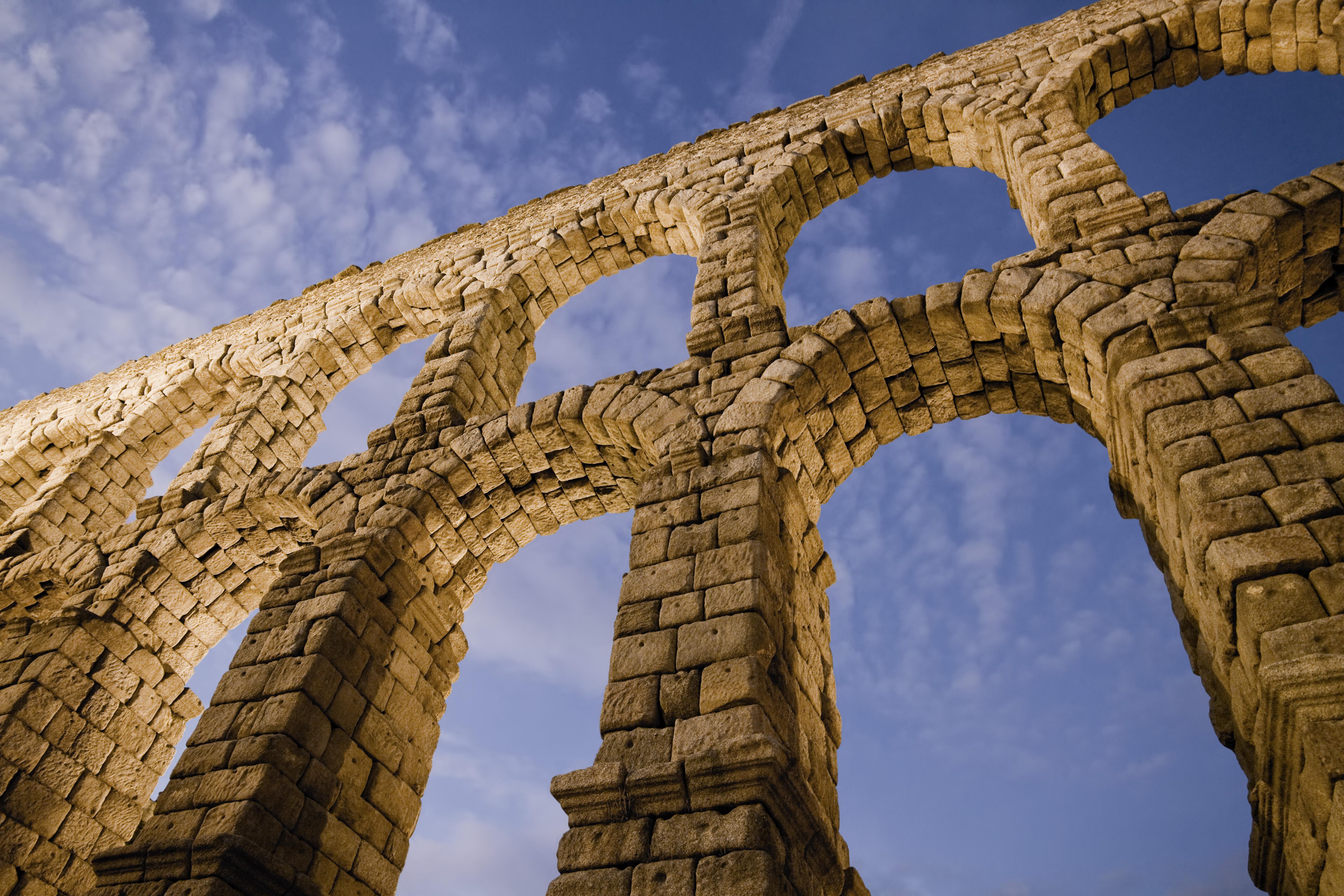Acueducto de Segovia al anochecer de David Corral Gadea