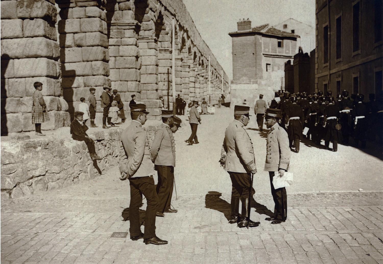 Fachada de Día Sanz, principios del siglo XX. 10.- Colecciones y archivos particulares de D. Juan Francisco Sáez Pajares.