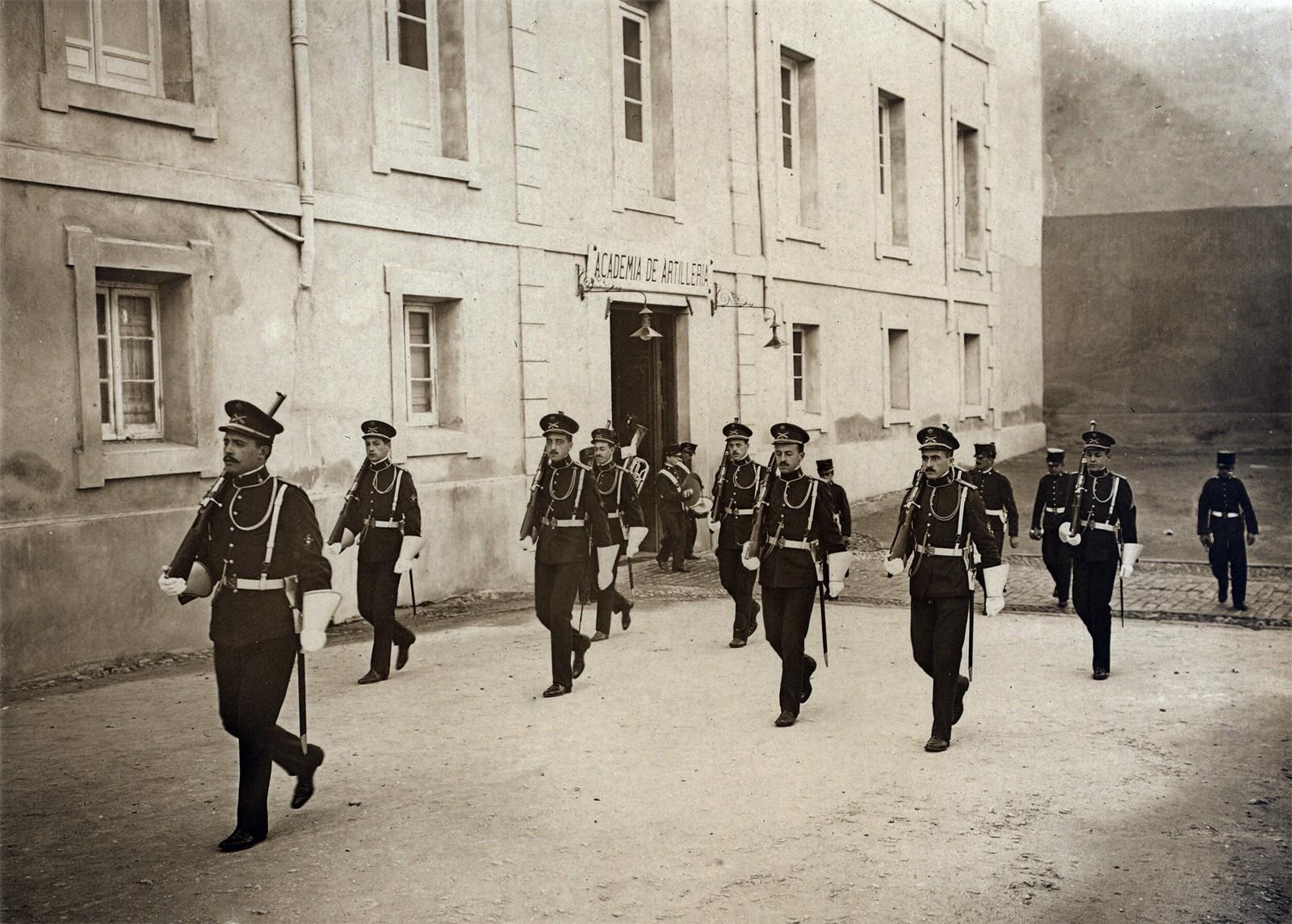 Puerta de Día Sanz, principios del siglo XX. 12.- Colecciones y archivos particulares de D. Juan Francisco Sáez Pajares.
