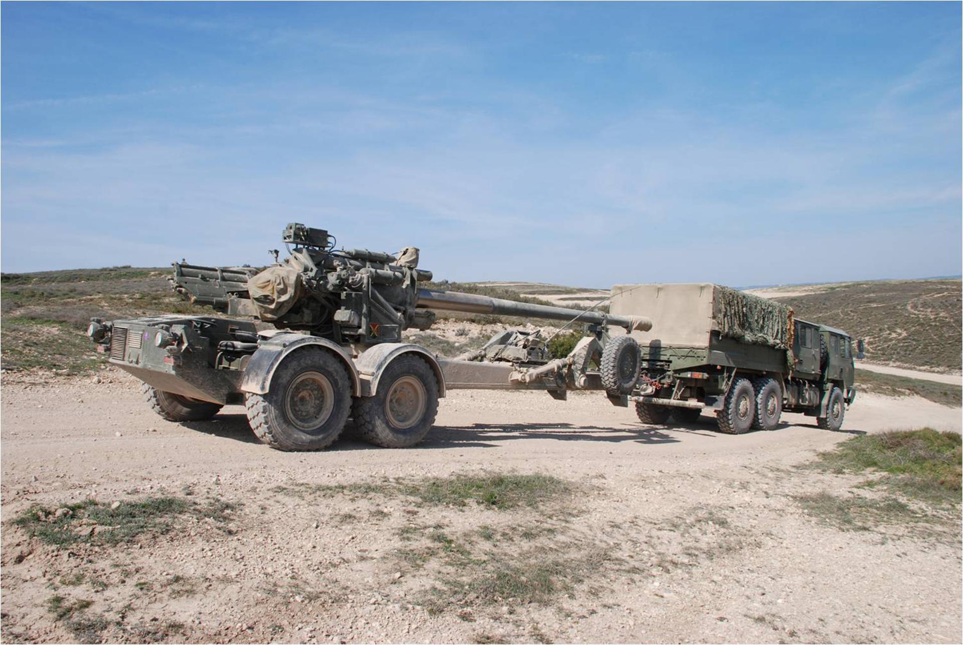 Pieza de artilleria de campaña 155/52 APU SBT SIAC Santa Barbara Sistemas