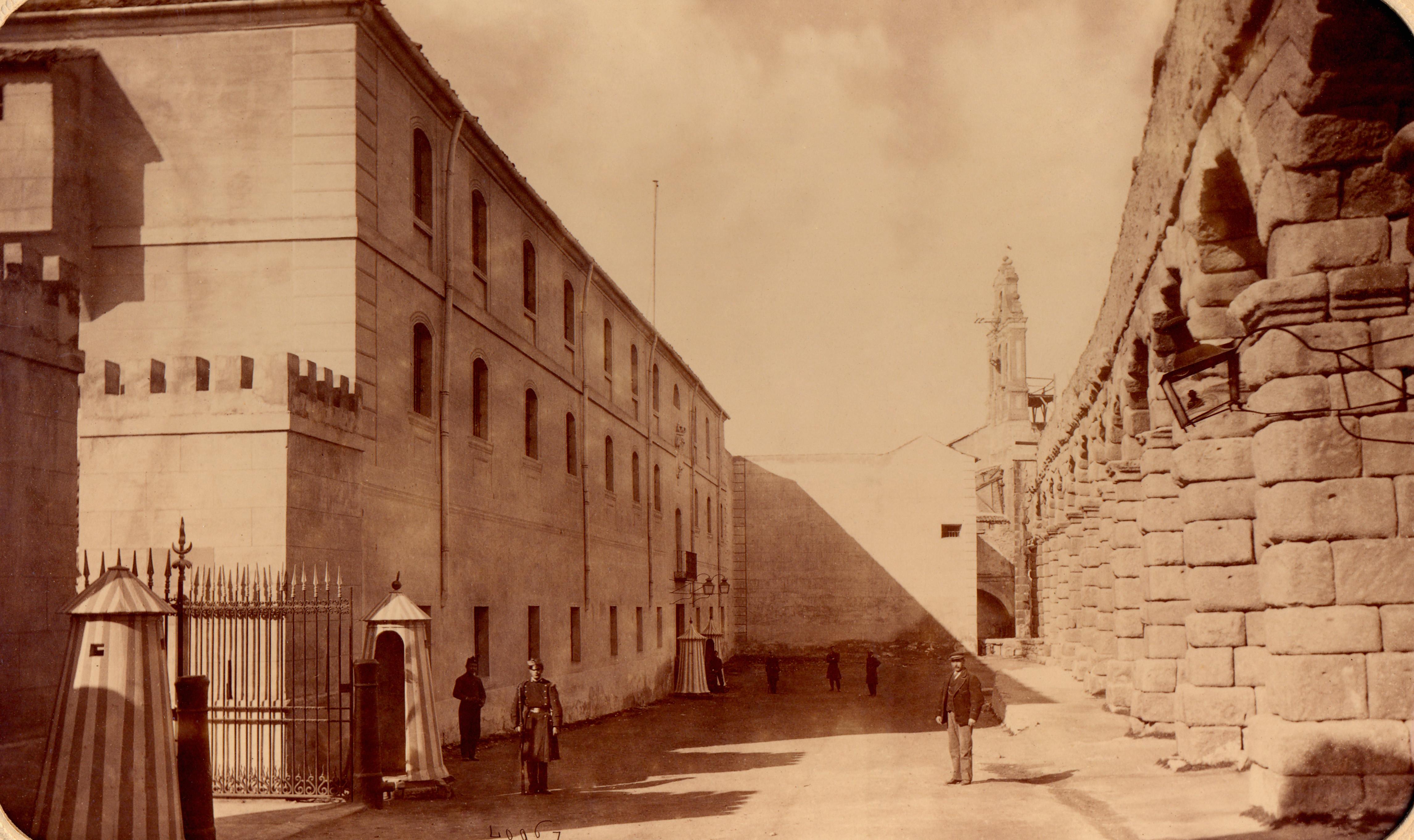 Fachada de Día Sanz, 1879-1880.