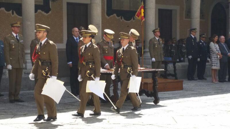 Entrega de despachos a los alumnos de la Academia de Artillería