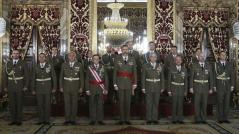 El Rey con la comisión de la Academia (FotoEFE)